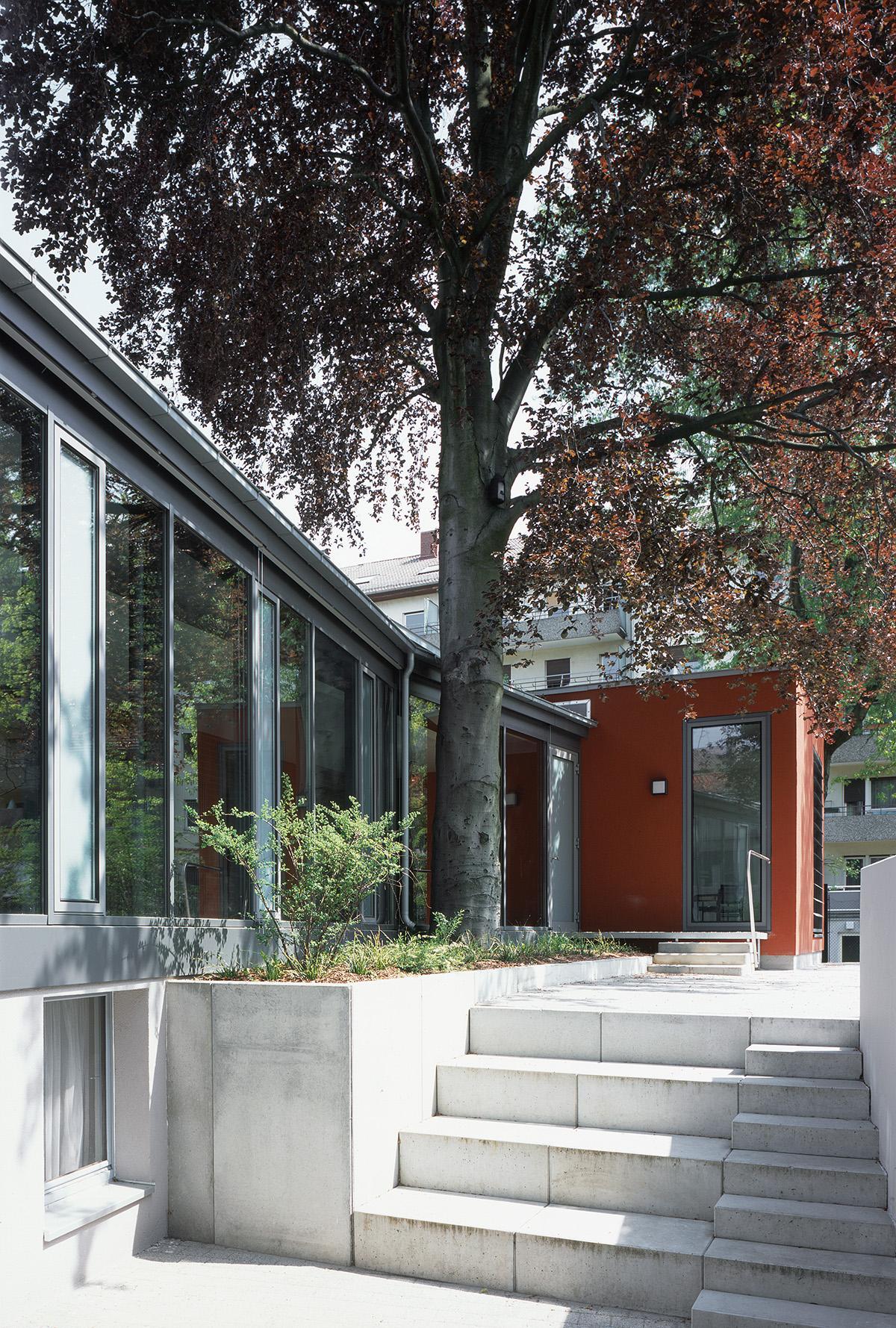umbau und erweiterung jung-stilling-saal karl-friedrich-gemeinde sedanstr. 20 76185 karlsruhe  architektur: klinkott architekten indianaring 23 76149 karlsruhe www.klinkott-architekten.de